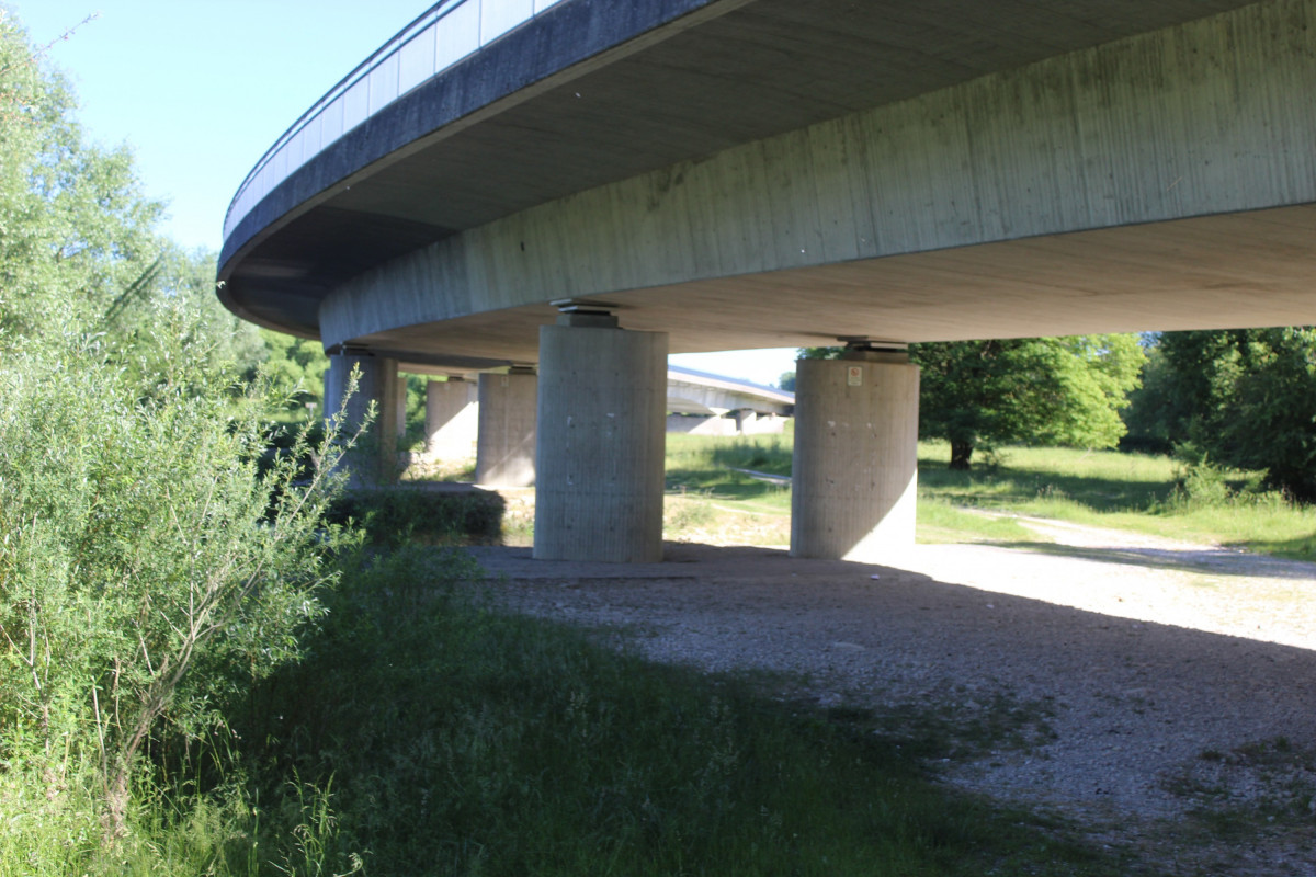 Unter der B299 bei Neustadt a.d. Donau