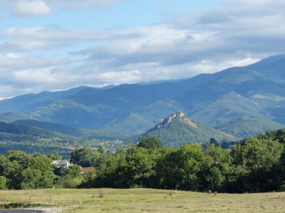 Der Blick auf die südlichen Pyrenäen von Tarascon aus