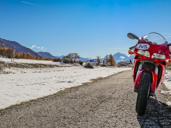 Mit der Ducati 748s auf der Malser Haide (Obervinschgau - Südtirol)