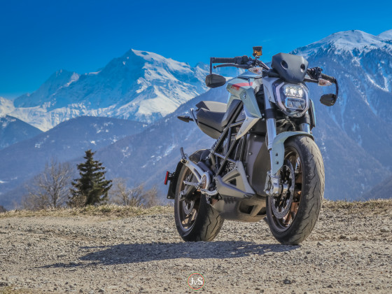 Eins der drehmomentstärksten Motorräder auf dem Markt vor einem der magischsten Gipfel der Alpen: dem Ortler