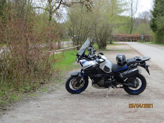 Parkplatz am Simssee für meine XT allein.