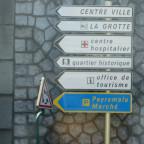 Lourdes, ich war überrascht das sich der Kommerz rund um die Grotte in Grenzen hielt