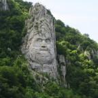 Kopf des Königs Decebal am Donau-Ufer