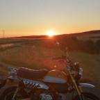 Honda Monkey bei Sonnenuntergang